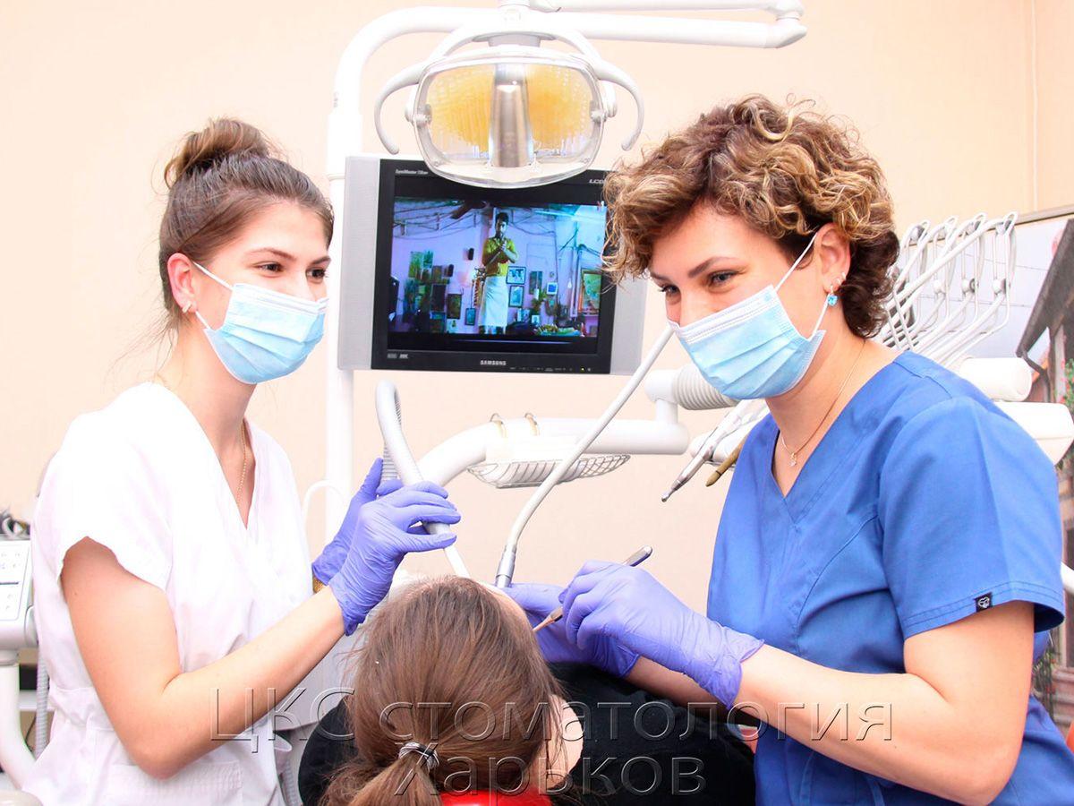 Работа в четыре руки – стандарт качества современной стоматологии